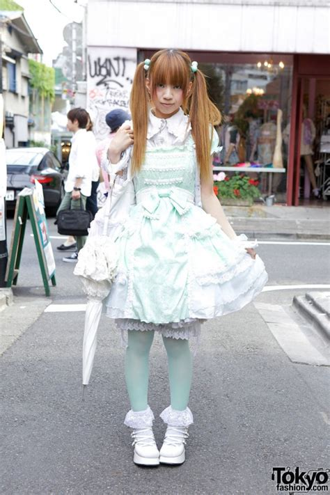 From Sweden to Harajuku - 蛙: Lolita styles