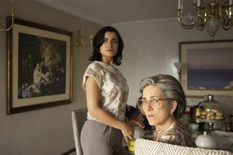 How Accurate Is Tata In 'Narcos'? Pablo Escobar's Wife