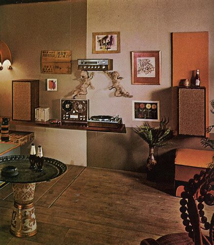Stereo wall, 70s living room | What's with the ketchup
