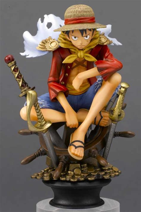 """Crunchyroll - """"One Piece"""" Pirates Chess Collection R Pieces"""